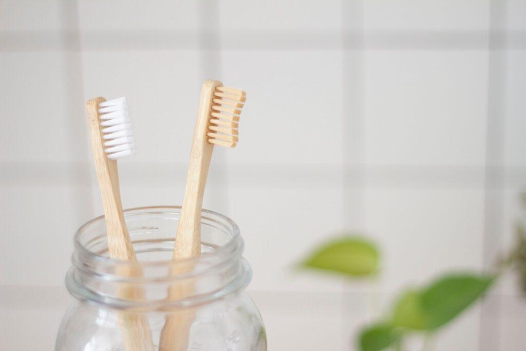 Pro zdravé zuby musí být kartáček spíše měkčí.